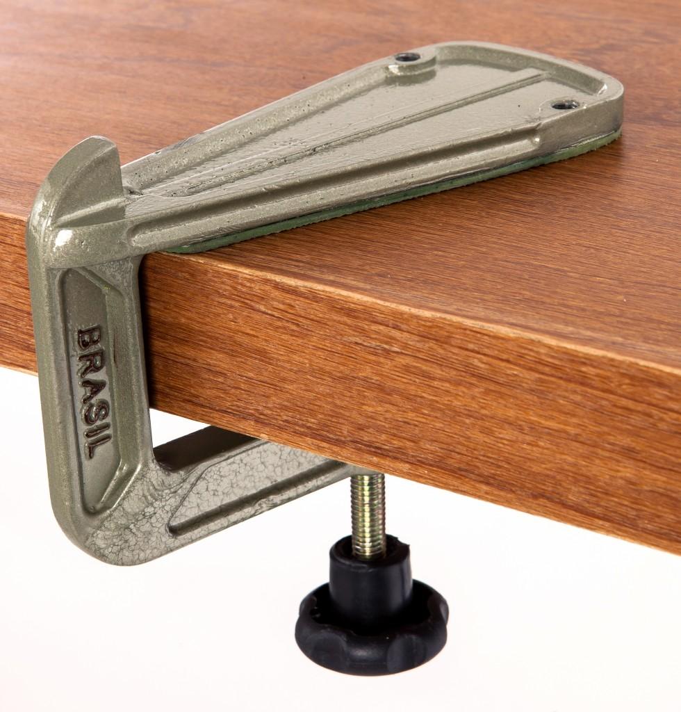 Fixador de mesa para balancim